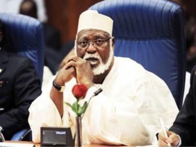 abdulsalami abubakar 400x300 - Abdulsalami Appeals To ASUU To End Strike
