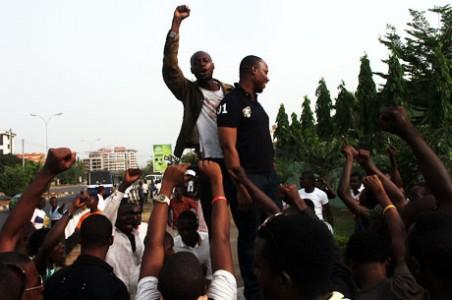 nans 452x300 - Latest On ASUU Strike: NANS barricades Niger Bridge for hours
