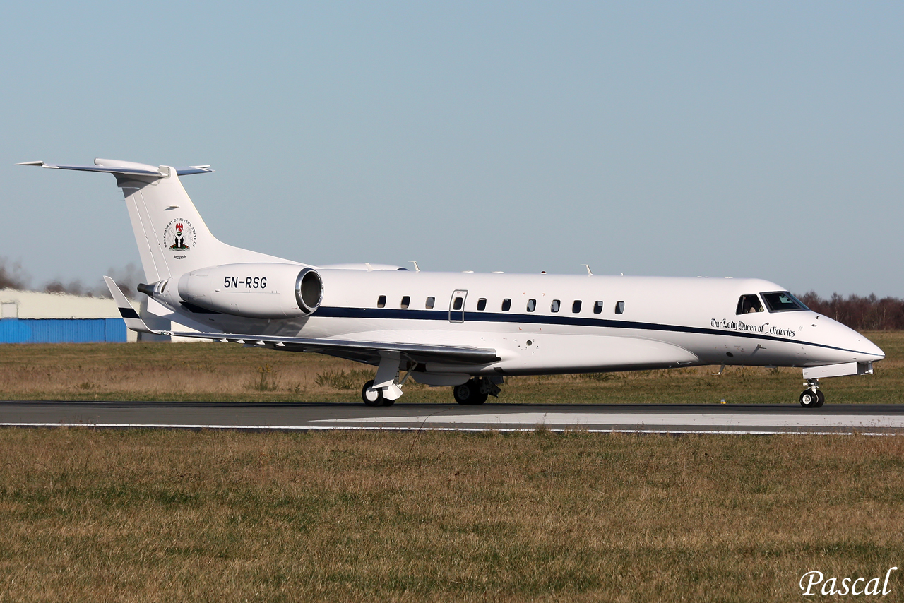 FG Bans Governor Amaechi39s Aircraft From Flying In Nigeria  Premium Time