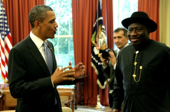 Barack Obama chatting with Goodluck Jonathan
