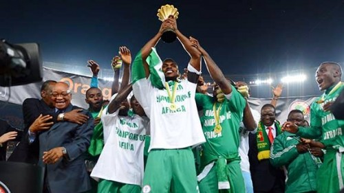 Joseph Yobo lifts the Cup as Super Eagles celebrate their 2013 Afcon victory.