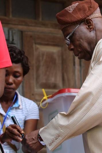 Obasanjo votes