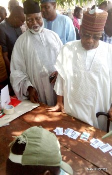 FORMER HEAD OF STATE, RETIRED GEN. ABDULSALAMI ABUBAKAR (L) AND FORMER MILITARY PRESIDENT, RETIRED GEN. ABRAHIM BADAMOSI BABANGIDA, DURING THE PRESIDENTIAL AND NATIONAL ASSEMBLY ELECTIONS AT UPHILL POLLING UNIT IN MINNA ON SATURDAY (28/3/15).