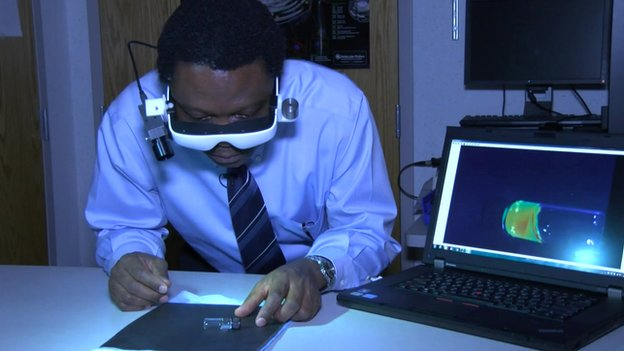 Dr. Achilefu, a professor of radiology and biomedical engineering