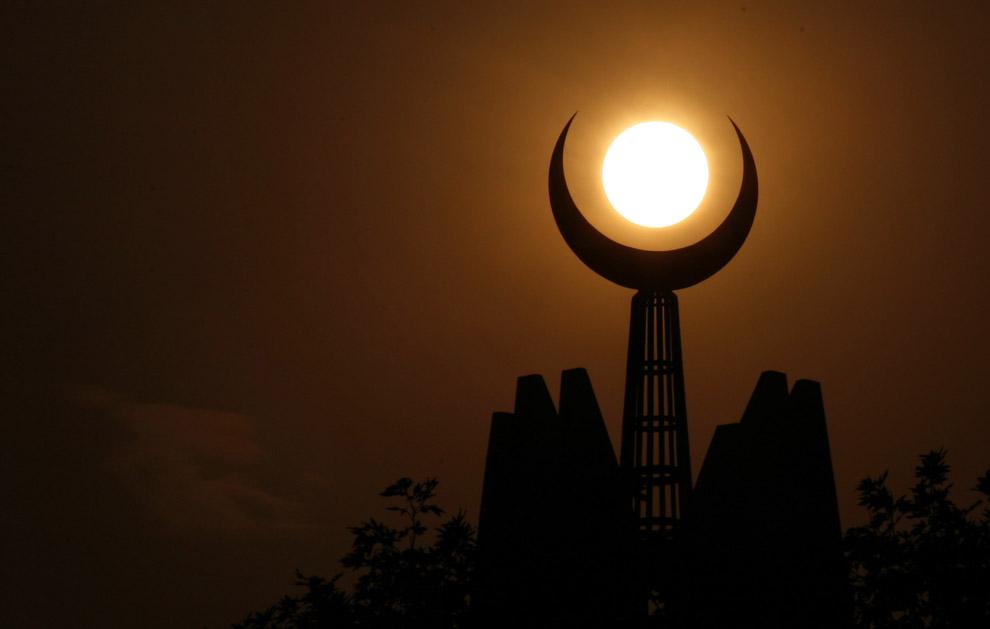 Ramadan fast starts Thursday in several Muslim countries - Premium ...