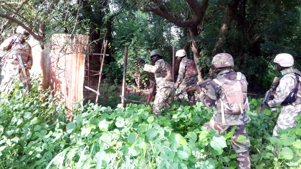 PIC.-32.-NIGERIAN-ARMY-TROOPS-CLEAR-BOKO-HARAM-ENCLAVES-FROM-BITTA-TO-TOKUMBERE-IN-BORNO.jpg