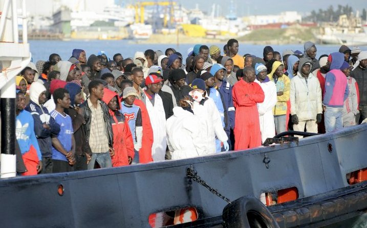 Tunisian boat carrying 40 African migrants stranded without aid