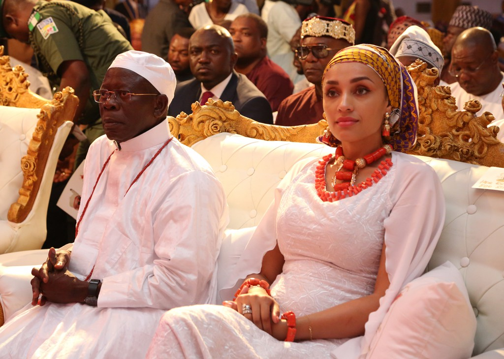 oshiomhole�s wife 334 others get nigerian citizenship