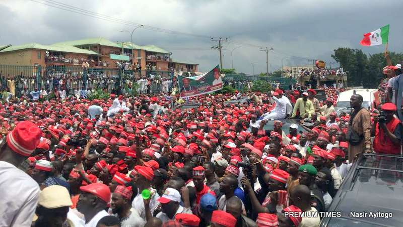 2019: While Kwankwaso declared in Abuja, hundreds gathered in Kano to denounce him