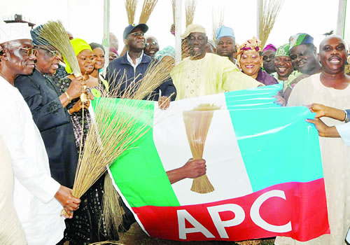 Many PDP members defect to APC in Lagos