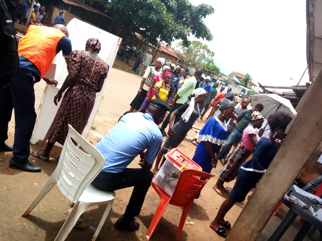 The two major contending parties in the ongoing Osun governorship election, the All Progressives Congress (APC) and the People's Democratic Party (PDP), have devised new methods of voters' inducement.